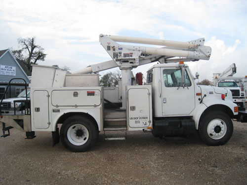 Bucket truck with curb access.