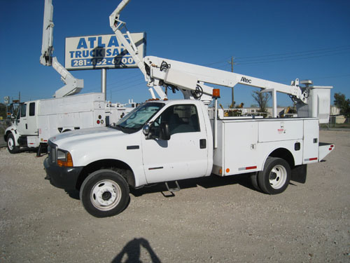 Altec & Ford bucket truck.