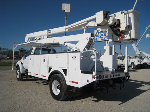 Bucket Truck with Pintle hitch.