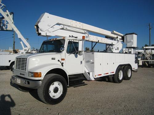 Bucket Truck  B0663