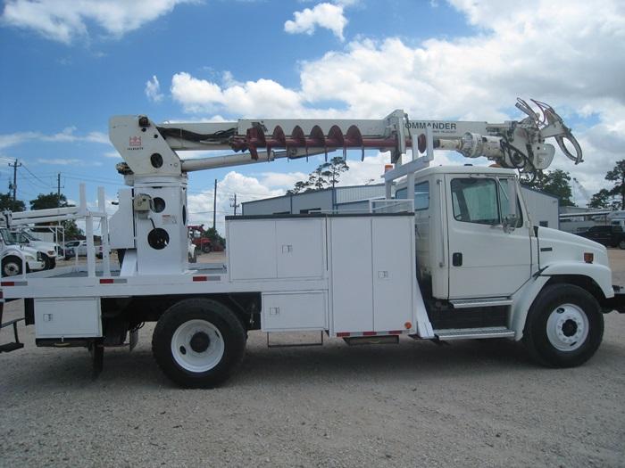 Digger Truck #3021 | Atlas Truck Sales, Inc.