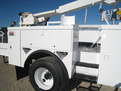 Altec Line Body with curb access.